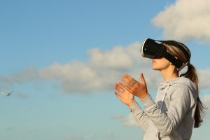 Virtuelle Realität und reale Welt by pixabay.com